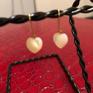 Jewelry - 10kt mother of pearl